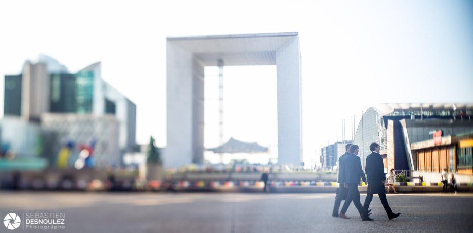 <strong>Photographe d'architecture à Paris<span><br /><small><figcaption>Ambiance corporate, Parvis de La Défense - Paris - photo : © Sebastien Desnoulez</figcaption><small><br /><b>voir en plein écran</b></span></strong><i>&rarr;</i>
