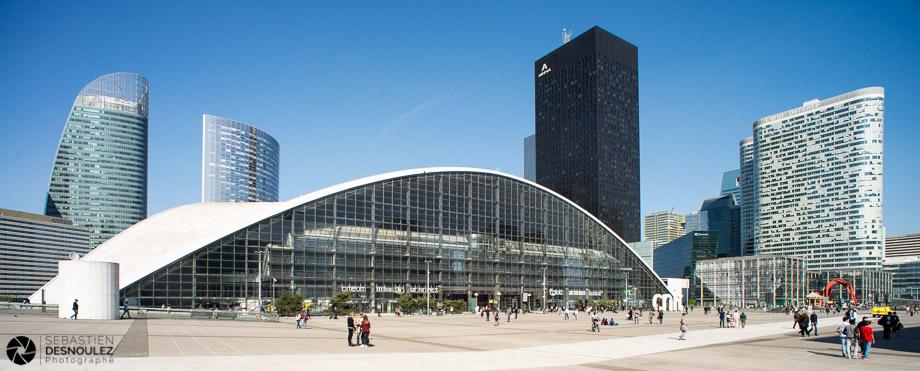 <strong>Photographe d'architecture à Paris<span><br /><small><figcaption>CNIT – Paris La Défense – Photos réalisées par Sebastien Desnoulez photographe architecture</figcaption><small><br /><b>voir en plein écran</b></span></strong><i>→</i>