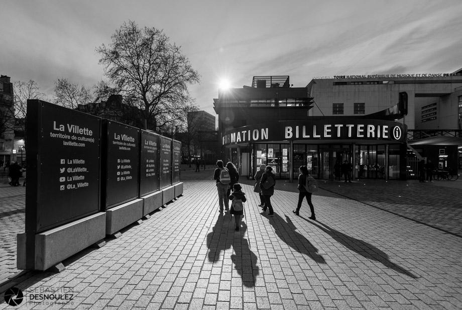 <strong>Ambiances<span><br /><small><figcaption>La Villette, accès Porte de Pantin, Paris - Photo  : © Sebastien Desnoulez</figcaption><small><br /><b>voir en plein écran</b></span></strong><i>→</i>