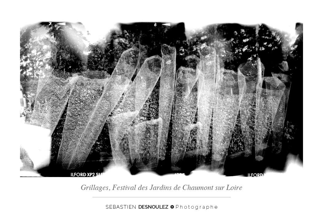 <strong>Galerie Photo Noir et Blanc<span><br /><small><figcaption>Installation – festival des jardins - Château de Chaumont sur Loire - Photo : © Sebastien Desnoulez</figcaption><small><br /><b>voir en plein écran</b></span></strong><i>→</i>