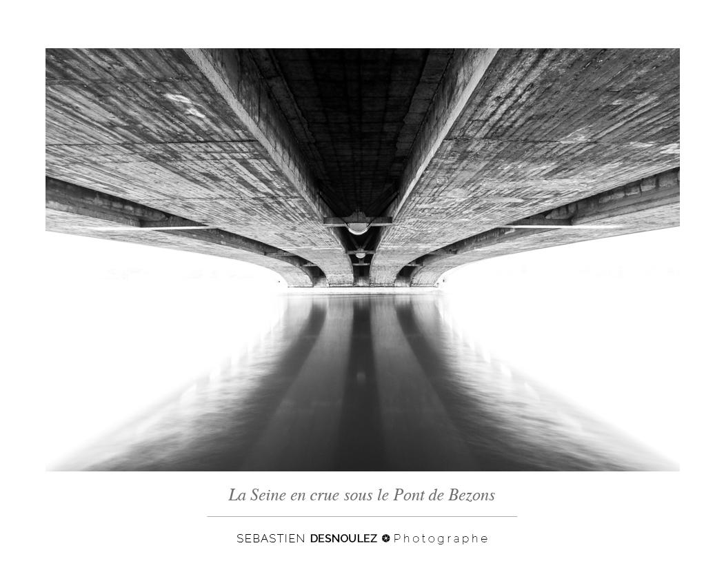 <strong>Galerie Photo Noir et Blanc<span><br /><small><figcaption>La Seine en crue sous le pont de Bezons - Photo : Sebastien Desnoulez Photographe</figcaption><small><br /><b>voir en plein écran</b></span></strong><i>→</i>