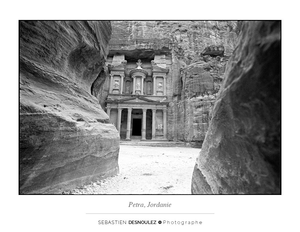 <strong>Galerie Photo Noir et Blanc<span><br /><small><figcaption>Petra, Jordanie - Photo : Sebastien Desnoulez Photographe</figcaption><small><br /><b>voir en plein écran</b></span></strong><i>→</i>