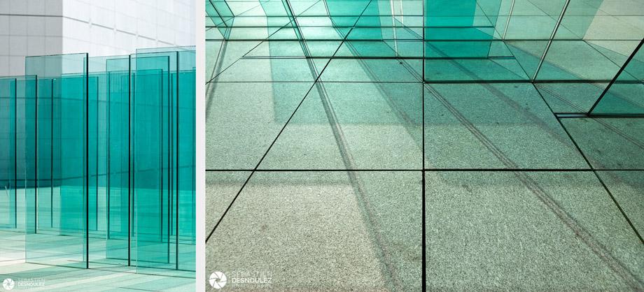 <strong>Photographe d'architecture à Paris<span><br /><small><figcaption>Brise vent, Grande Arche de la Défense, Paris - Photo : © Sebastien Desnoulez - Photographe Architecture</figcaption><small><br /><b>voir en plein écran</b></span></strong><i>→</i>