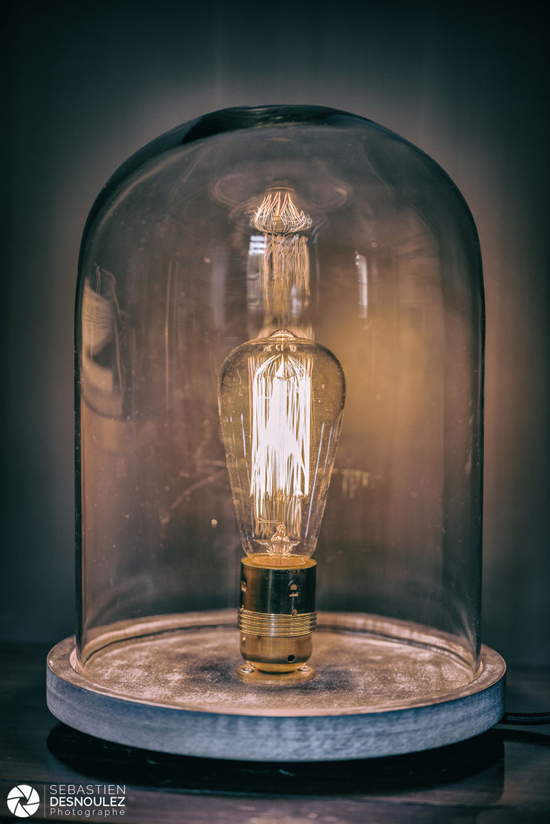 Luminaire globe avec ampoule Edison
