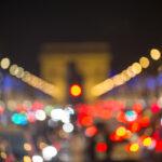 Ambiance floue de l'Arc de Triomphe et des Champs Elysées - Photo : © Sebastien Desnoulez photographe d'ambiances et d'architecture