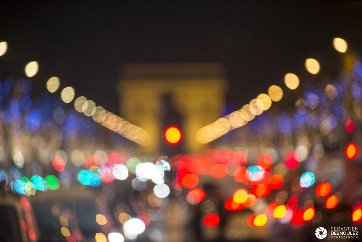 Ambiance floue de l'Arc de Triomphe
