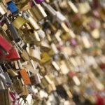 Cadenas des amoureux sur le pont des Arts - Photo : © Sebastien Desnoulez photographe d'ambiances et d'architecture