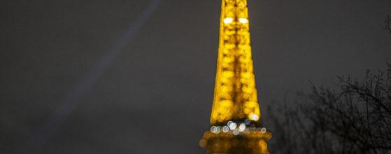 Tour Eiffel illuminée - Photo : © Sebastien Desnoulez photographe d'ambiances et d'architecture